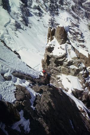 Ausstieg aus der Felsbarriere in der Diamirflanke (Toni Kinshofer)